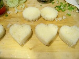 heart and snowflake shaped onigiri rice balls