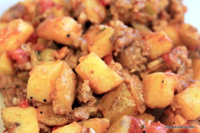 Skillet Dinner: Bulk Sausage, Potatoes & Tomatoes