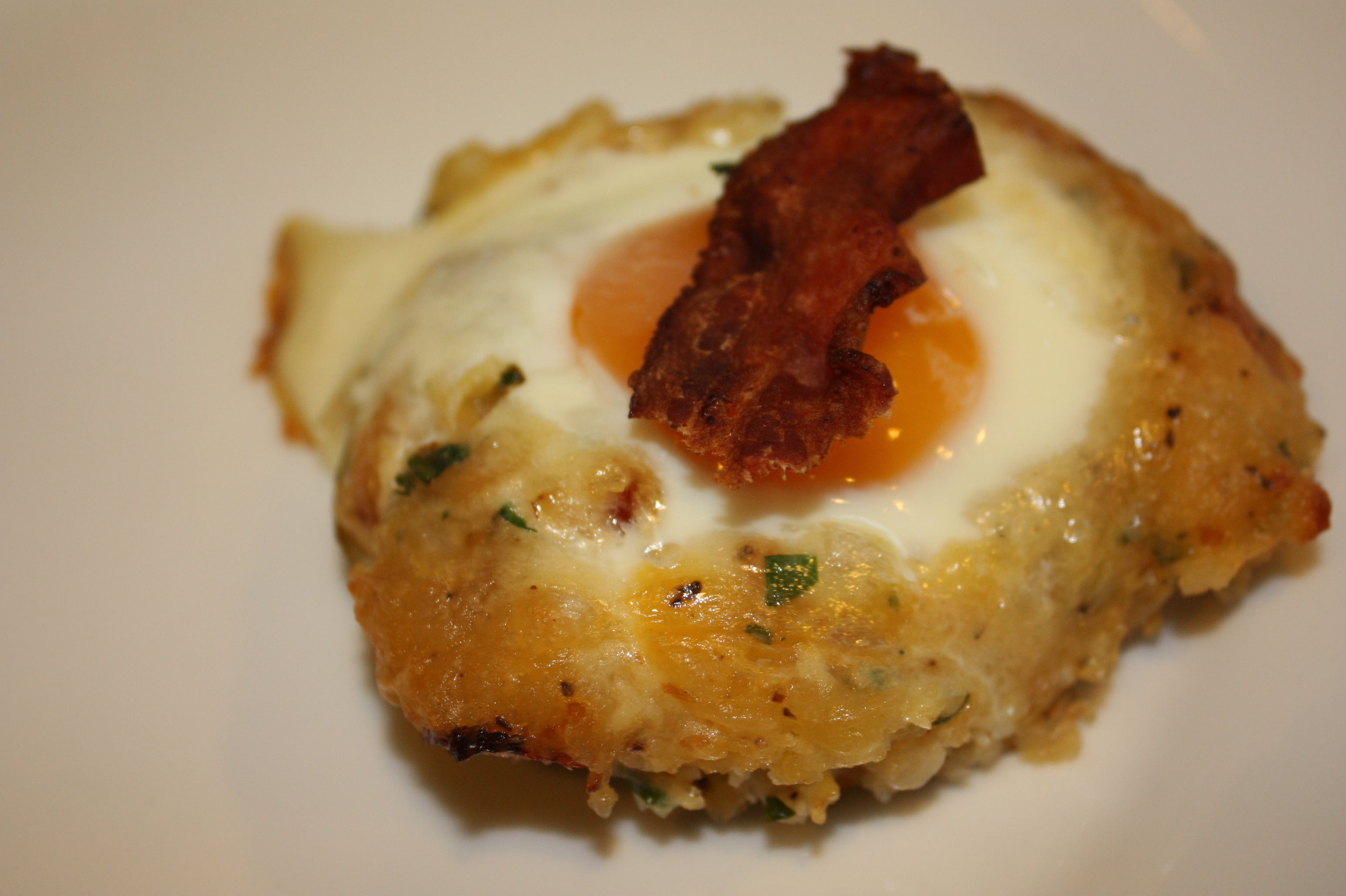 Stuffed Potato with Egg and Bacon