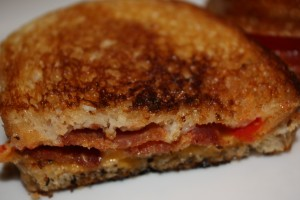 grilled cheese with bacon and tomato