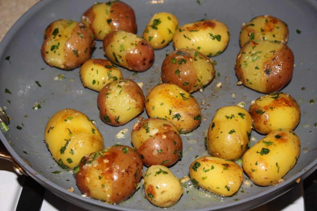 Steamed Sauteed Potatoes with Garlic and Parsley