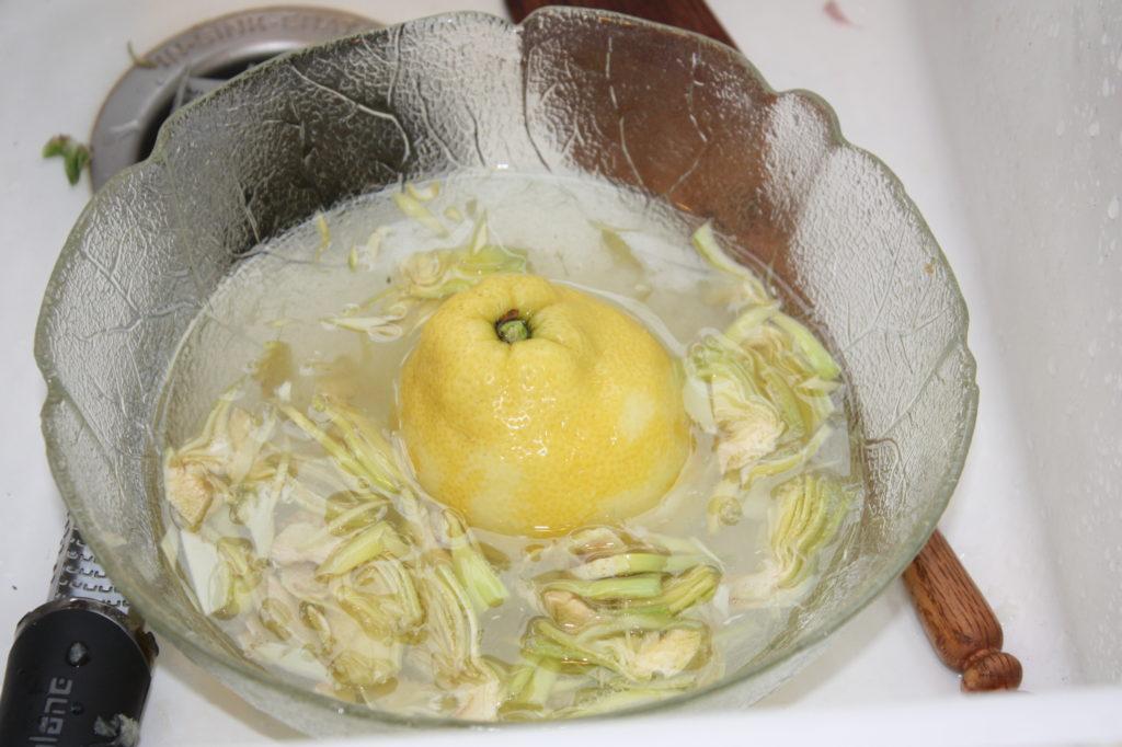 artichokes in lemon water