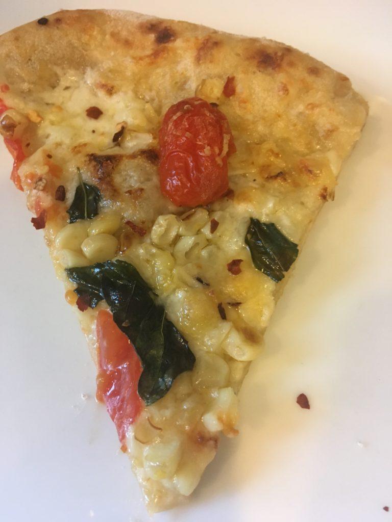 corn and tomato pizza